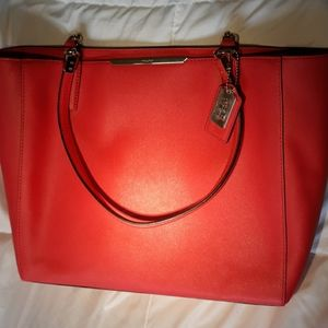 COACH  Madison Saffiano East/West tote Love Red